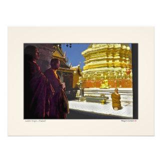 Monjes en el templo de oro - Tailandia Fotografia
