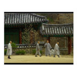 Monjes en la montaña del palgong, Corea del Sur Tarjetas Postales