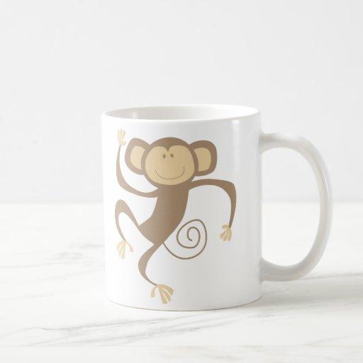 Monkeying alrededor la taza