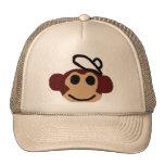 Mono con el gorra