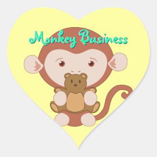 Mono con los pegatinas del corazón de Teddybear Pegatina En Forma De Corazón
