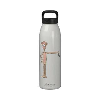 Mono con un calcetín botella de agua reutilizable