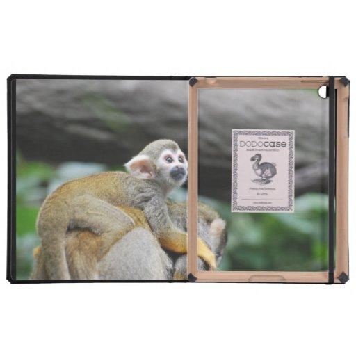 Mono de ardilla adorable del bebé iPad funda