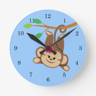 Mono de balanceo del chica relojes