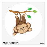 Mono de balanceo del muchacho