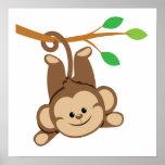 Mono de balanceo del muchacho poster
