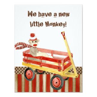 Mono del calcetín, carro rojo, invitación del