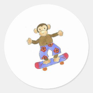 Mono del monopatín pegatina redonda