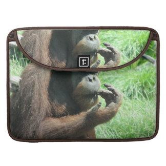 "Mono del orangután 15"" manga de MacBook Fundas Para Macbooks"