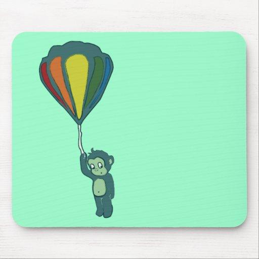 mono del vuelo: globo del aire caliente alfombrilla de ratón