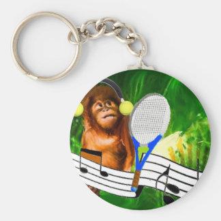Mono divertido con la estafa llavero redondo tipo pin