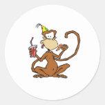 Mono divertido de la pizza del dibujo animado pegatinas redondas