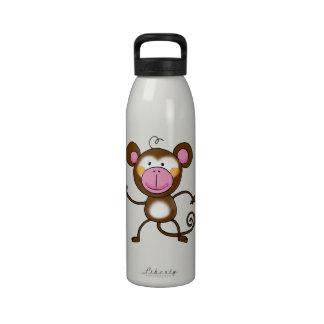 Mono fresco botella de agua
