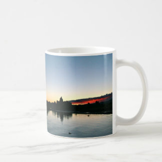 MONO LAKE AND TUFA ROCKS AT SUNRISE COFFEE MUG