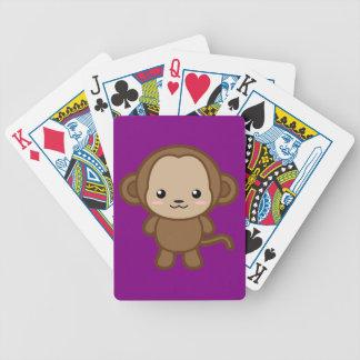 Mono lindo barajas de cartas