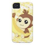 Mono lindo de Kawaii que sostiene el plátano iPhone 4 Case-Mate Carcasas