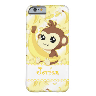 Mono lindo de Kawaii que sostiene el plátano Funda Para iPhone 6 Barely There