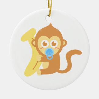 Mono lindo del bebé del dibujo animado con el adorno navideño redondo de cerámica