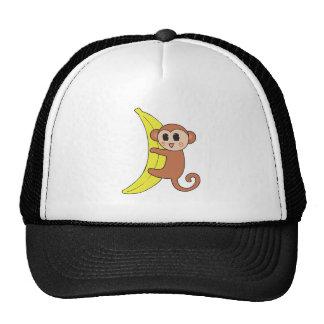 mono lindo del bebé en plátano gorro de camionero