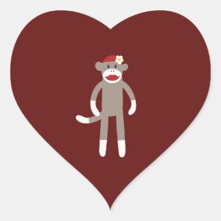 Mono lindo del calcetín del chica en rojo pegatina en forma de corazón