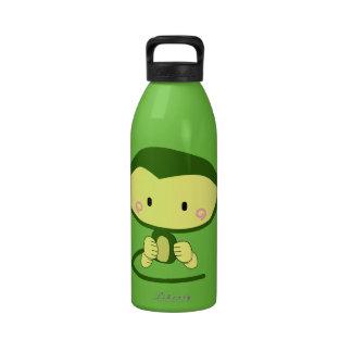 mono lindo del personaje de dibujos animados del m botella de beber