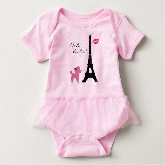 Mono rosado del tutú del caniche de París Body Para Bebé