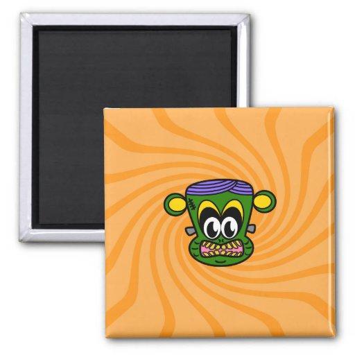 Mono verde de Frankenstein en remolino anaranjado Imán Cuadrado