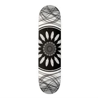 Monochrome center skateboard