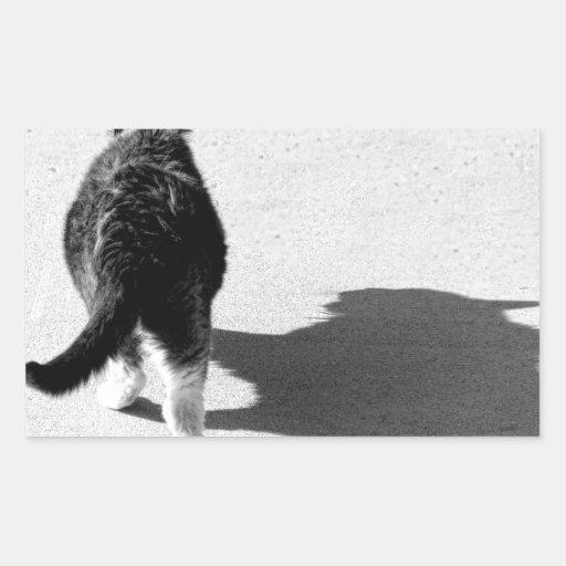 Monocromo feroz de la sombra del gato grande pegatina rectangular