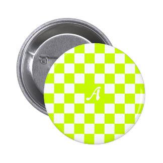 Monograma a cuadros amarillo y blanco fluorescente chapa redonda 5 cm