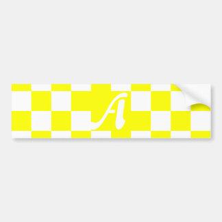 Monograma a cuadros amarillo y blanco pegatina para auto