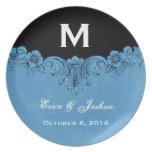 Monograma adornado del marco del vintage azul que  plato