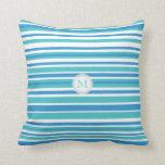 Monograma: Almohada rayada azul y blanca