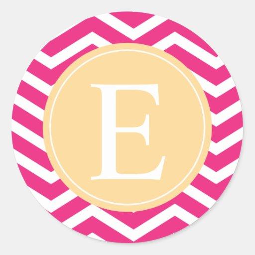Monograma amarillo blanco rosado de Chevron Etiqueta Redonda
