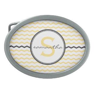 Monograma amarillo de Chevron Hebilla De Cinturon Oval