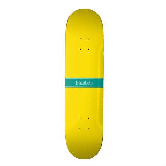 """Monograma amarillo, oscuro sólido del nombre de la patineta 7 3/8"""""""