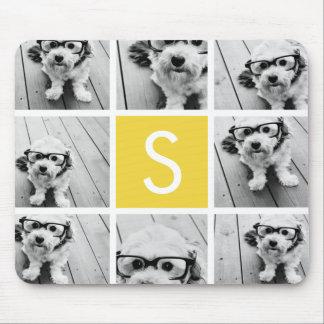 Monograma amarillo y blanco del personalizado del  alfombrillas de ratones