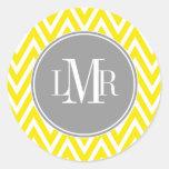 Monograma amarillo y gris de los galones etiqueta redonda