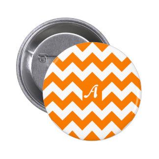 Monograma anaranjado y blanco del zigzag chapa redonda 5 cm