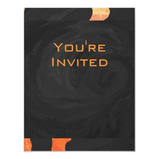 """Monograma anaranjado y negro de la cebra invitación 4.25"""" x 5.5"""""""
