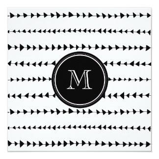 """Monograma azteca blanco negro de las flechas invitación 5.25"""" x 5.25"""""""