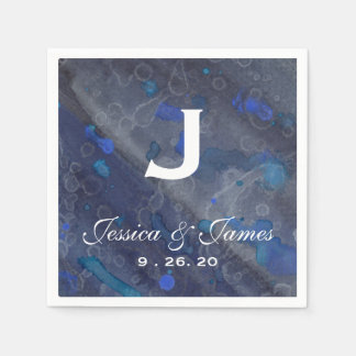 Monograma azul del boda de la llovizna servilletas desechables