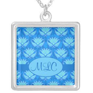 Monograma azul del damasco de Nouveau del arte de Collar Plateado