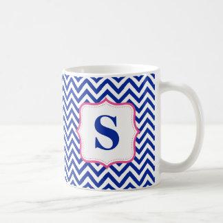 Monograma azul del rosa del zigzag de Chevron pers Tazas De Café