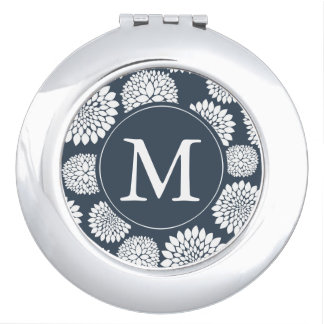 Monograma azul elegante de las flores blancas espejo de viaje
