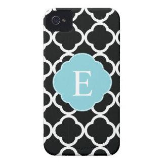 Monograma azul negro de Quatrefoil Case-Mate iPhone 4 Fundas