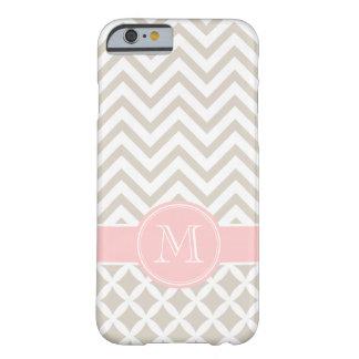 Monograma beige y rosado de lino del personalizado funda de iPhone 6 barely there