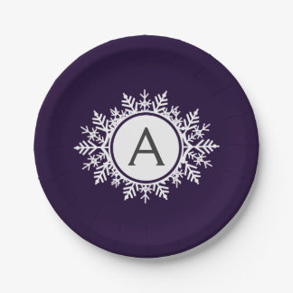 Monograma blanco adornado del copo de nieve en plato de papel de 7 pulgadas
