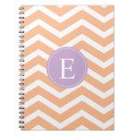 Monograma blanco anaranjado de la púrpura de Chevr Cuadernos