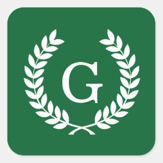Monograma blanco de la inicial de la guirnalda del pegatina cuadrada